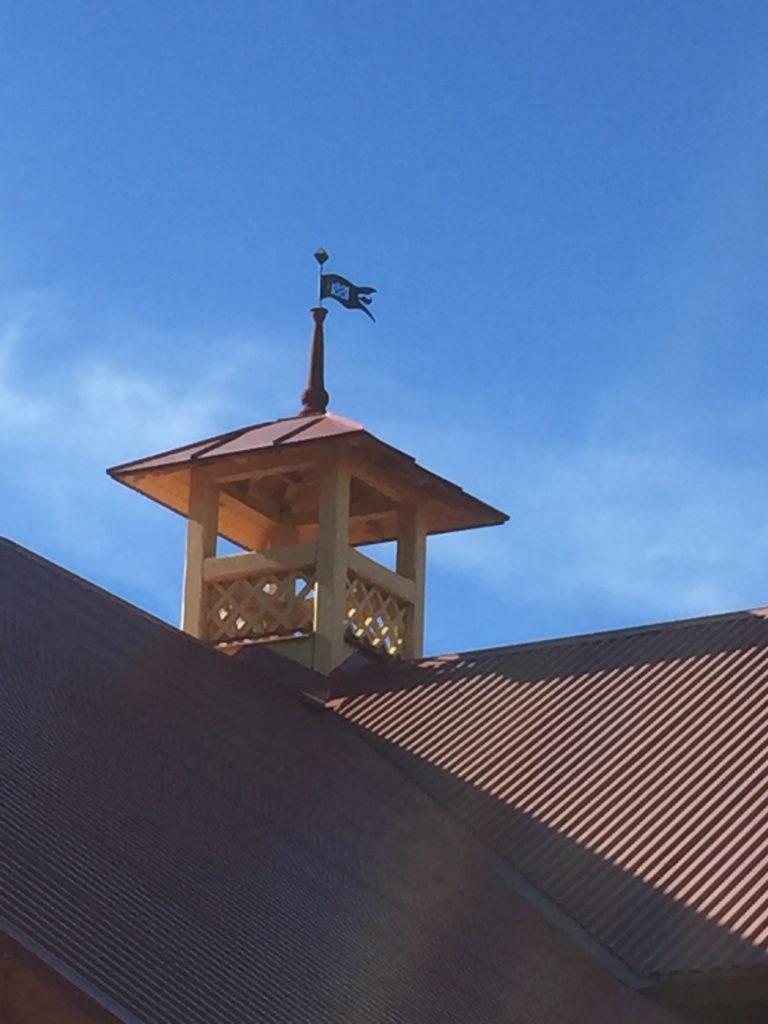Lanternin på taket på gamla stallet vid Magda.